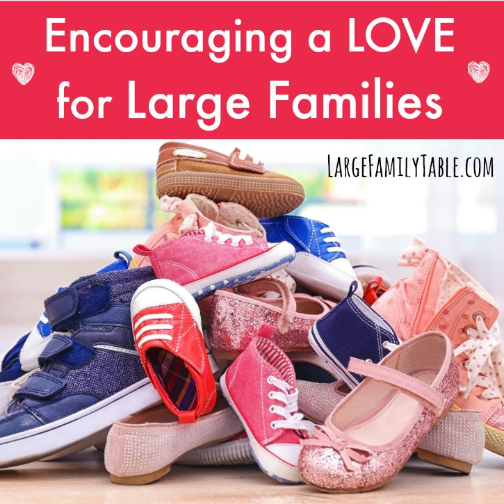 Encouraging a LOVE for Large Families - Large Family Table
