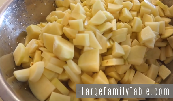 Large Family Slow Cooker Mashed Potatoes - Make Ahead Meals to Feed Large Families
